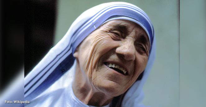 Papa autoriza la canonización de la madre Teresa de Calcuta