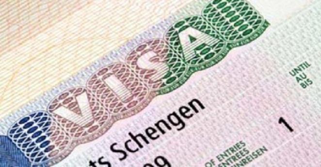 Más de 300 colombianos viajaron a Europa en primer día sin visa