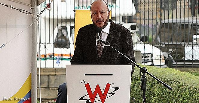 Julio Sánchez Cristo lanza su libro 'El país que se hizo posible'