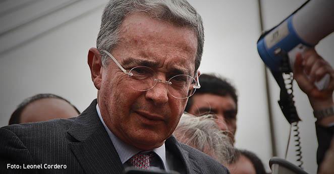 ¿Cómo aplacó Uribe un brote de indisciplina en su partido?
