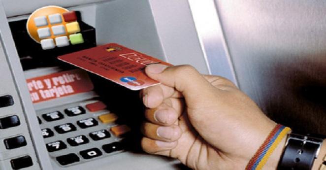 ¿Cuáles son los bancos que le cobran más por sus servicios?