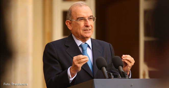 El Presidente Santos ratifica a Humberto de la Calle como jefe negociador
