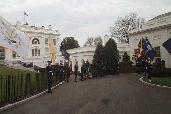 Mauricio Cárdenas llegando a la Casa Blanca