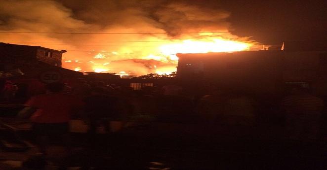 Voraz incendio en Cartago, Valle, consumió la vida de tres personas