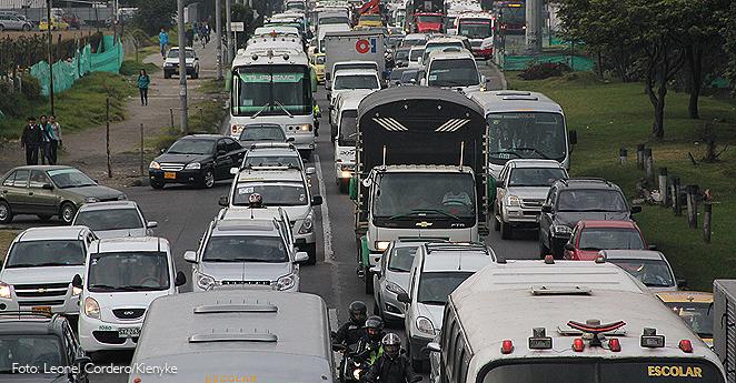 Con trancones en principales salidas de Bogotá inicia plan Éxodo