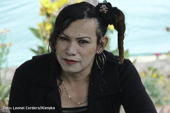 Transexual guerrillero-03