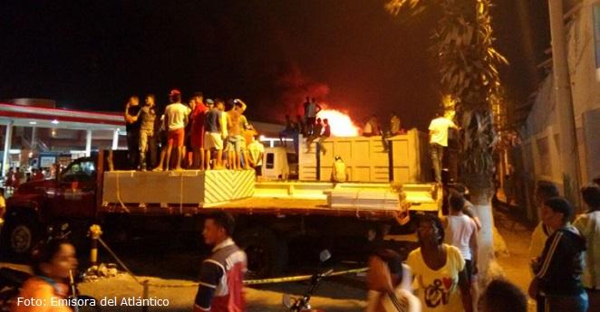 Barranquilla durmió entre llamas, humo y pánico