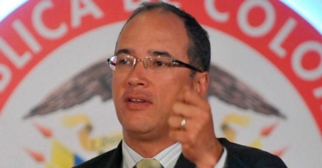 "Se retira presidente de Ecopetrol ""por asuntos personales"""