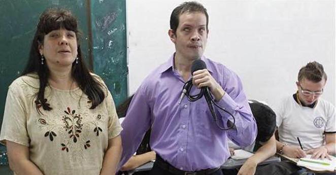 Los hermanos invidentes que dan clases en Medellín