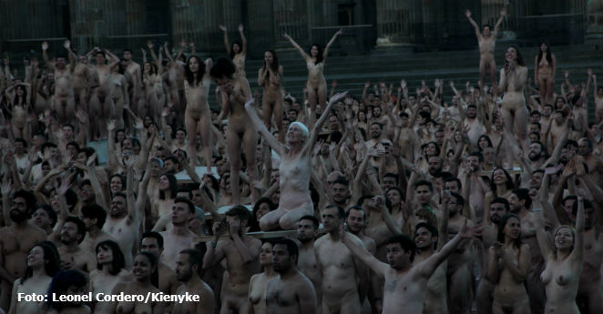 Video del desnudo de Spencer Tunick en Bogotá conmueve al mundo