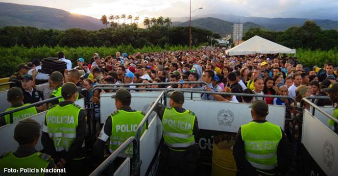 Críticas y rechazo por paso de venezolanos a Colombia