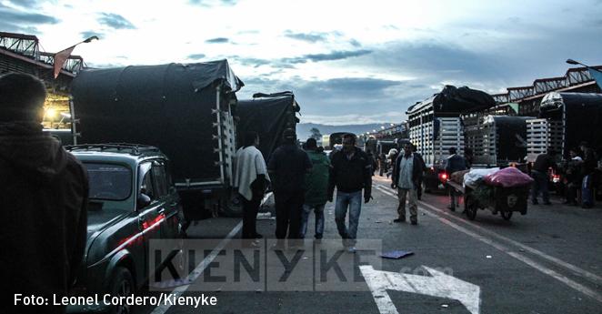 Gobierno y camioneros acuerdan levantar paro después de 46 días