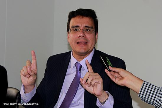 Ordenan detención domiciliaria a exrector de la U. Autónoma