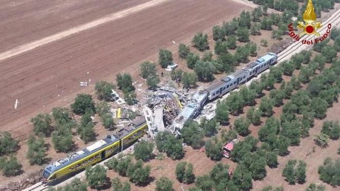 Tragedia en Italia: Choque de trenes deja al menos 20 muertos