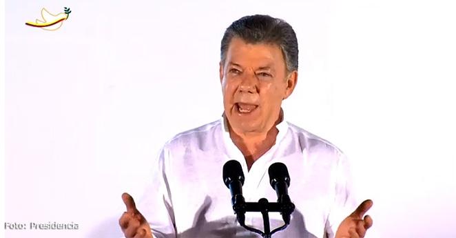 """""""Señores de las Farc, les doy la bienvenida a la democracia"""": Santos"""