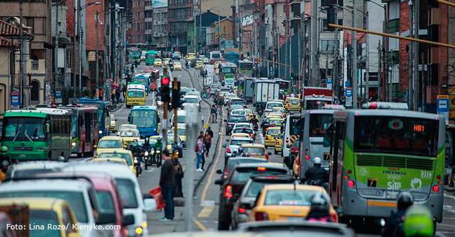 Caos vehicular en varias vías de Bogotá