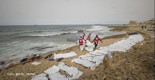 Encuentran los cuerpos de 74 migrantes en la costa de Libia