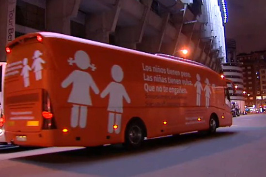 Alt_ Bus antitransexual Espana