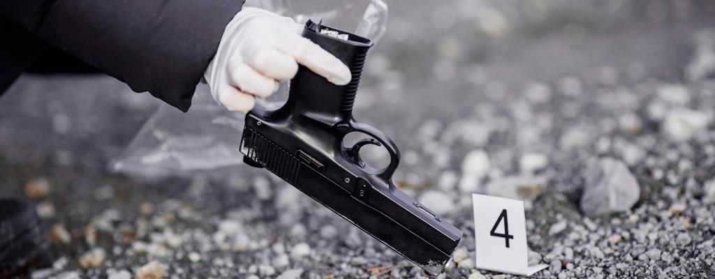 Foto: Imagen referencial Shutterstock/ ladrones mueren en atraco fallido