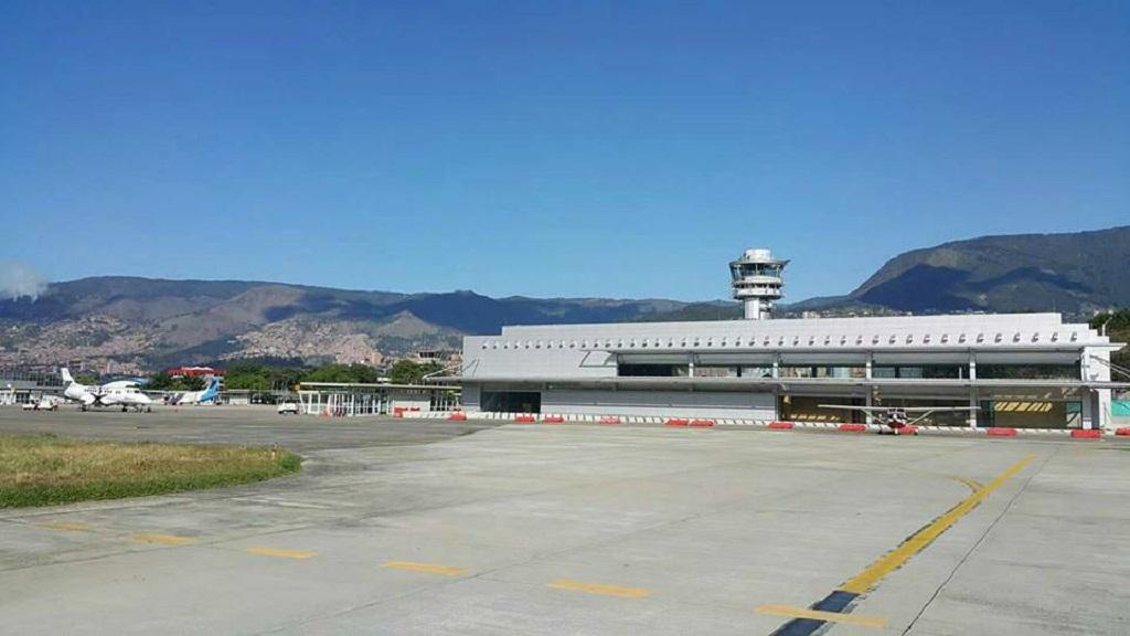 El Olaya Herrera abre su pista a vuelos internacionales