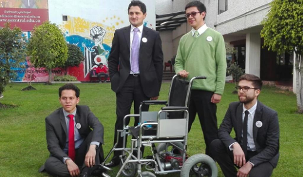 Colombianos crean una silla de ruedas que se mueve con los ojos