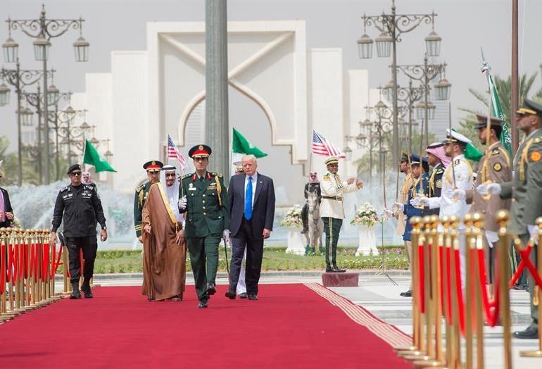 Trump inició en Arabia Saudita su primera gira internacional