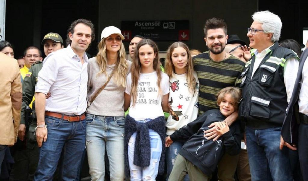 Juanes y su nuevo disco viajan en el metro de Medellín
