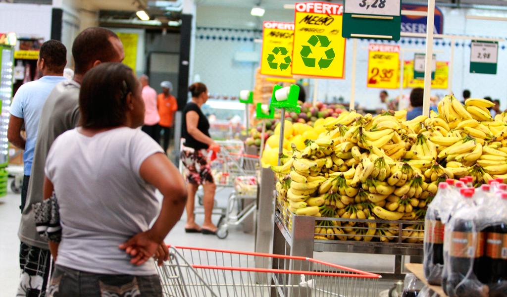 ¿Comprar comida con basura reciclable?