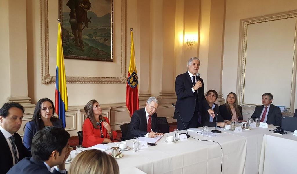 Álvaro Uribe a Enrique Peñalosa