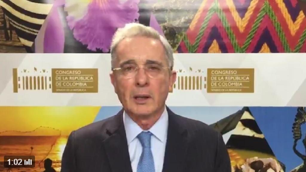 Uribepide que militares y civiles salgan de laJEP