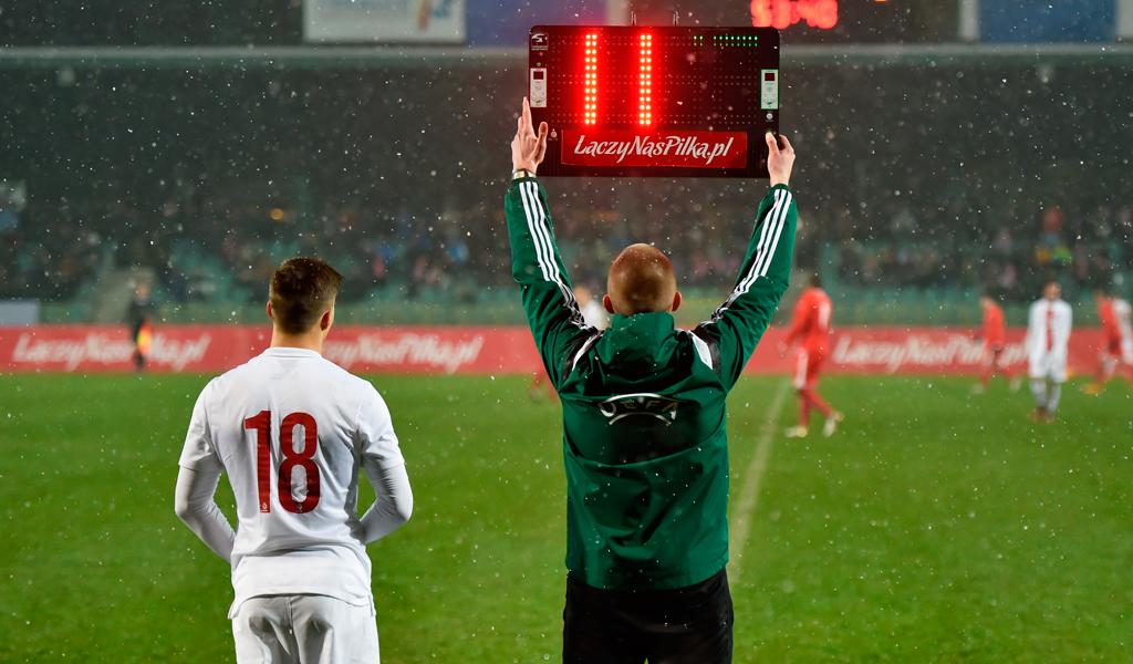 La UEFA autoriza el cuarto cambio en partidos con prórroga