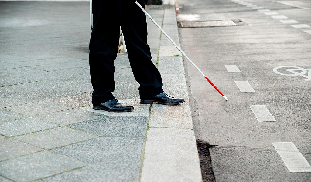 Bastón Inteligente guía personas con discapacidad visual