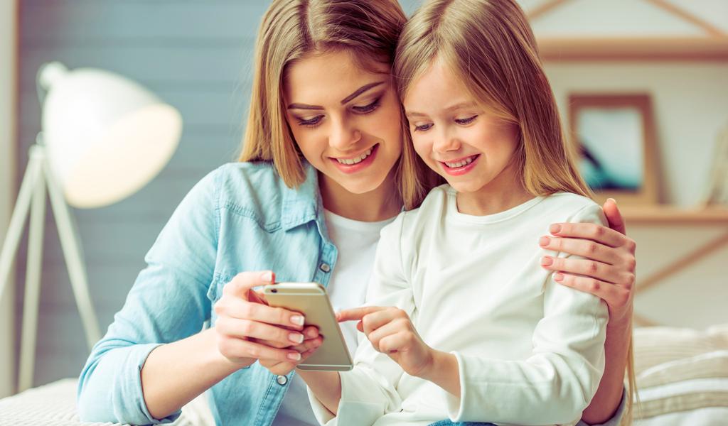 Ventajas de comunicarse con su hijo a través de tecnología