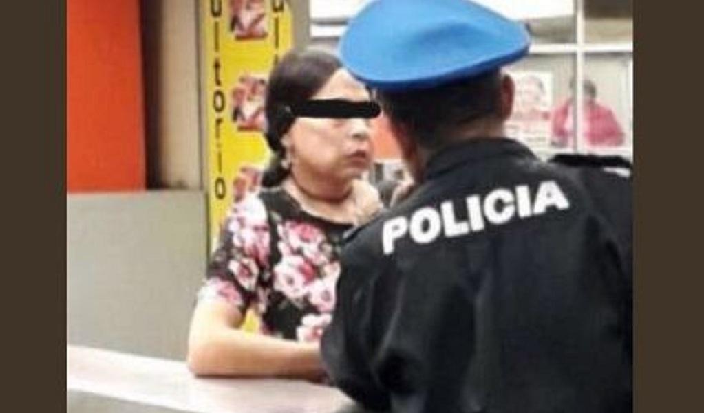 Hombre disfrazado de mujer acosaba en el metro de México
