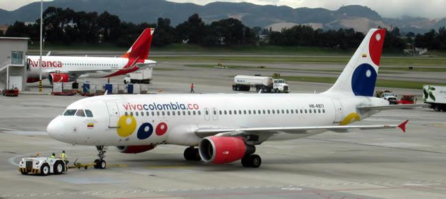 Pasajeros hicieron 'vaca' en avión de VivaColombia