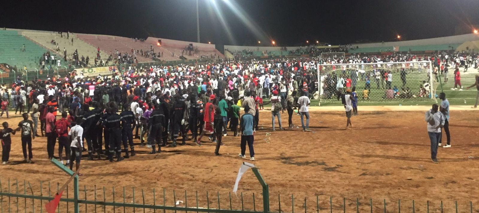 Al menos nueve muertos por estampida en estadio de Senegal