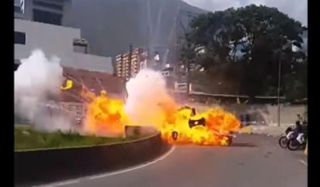 7 militares venezolanos heridos tras ataque con explosivo
