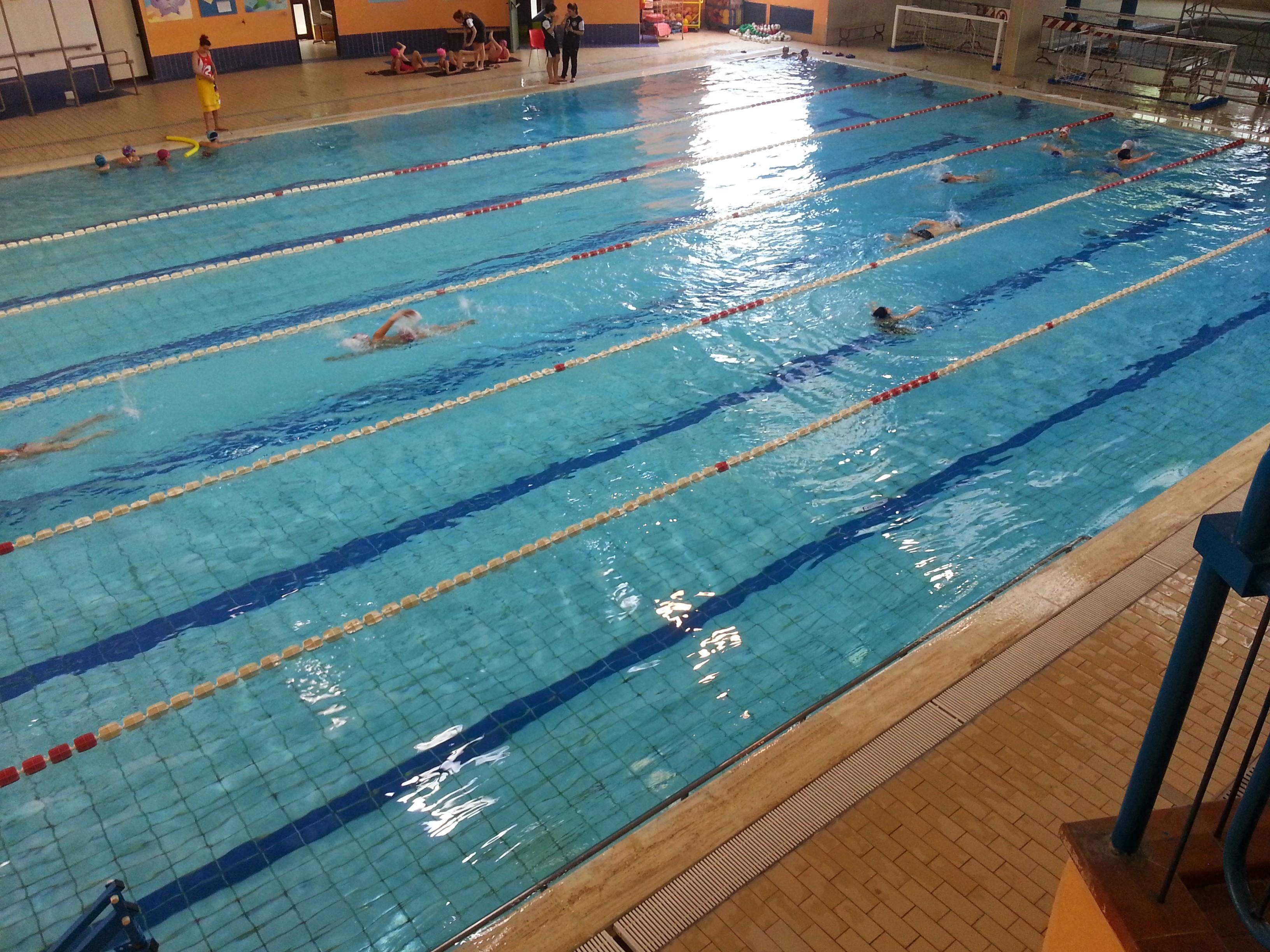 Aprenda a reconocer las piscinas en mal estado