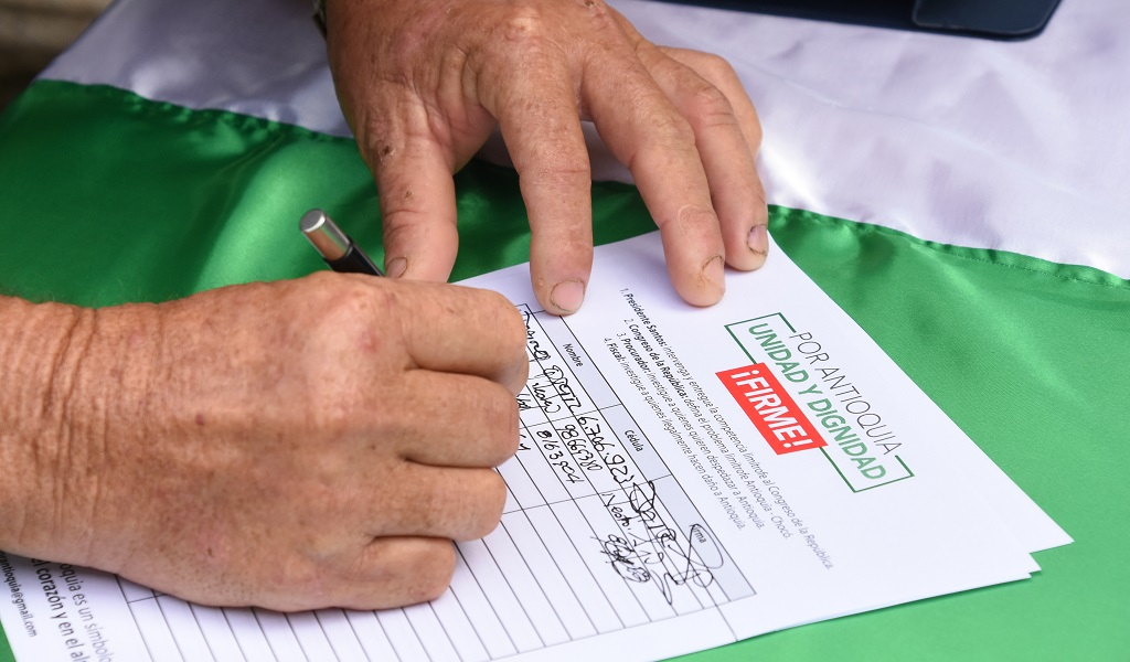 Antioquia, cerca al millón de firmas por Belén de Bajirá