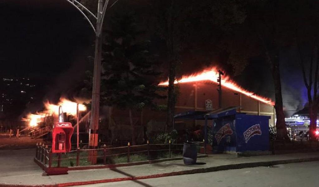 Grave incendio en central de Abastos de Antioquia