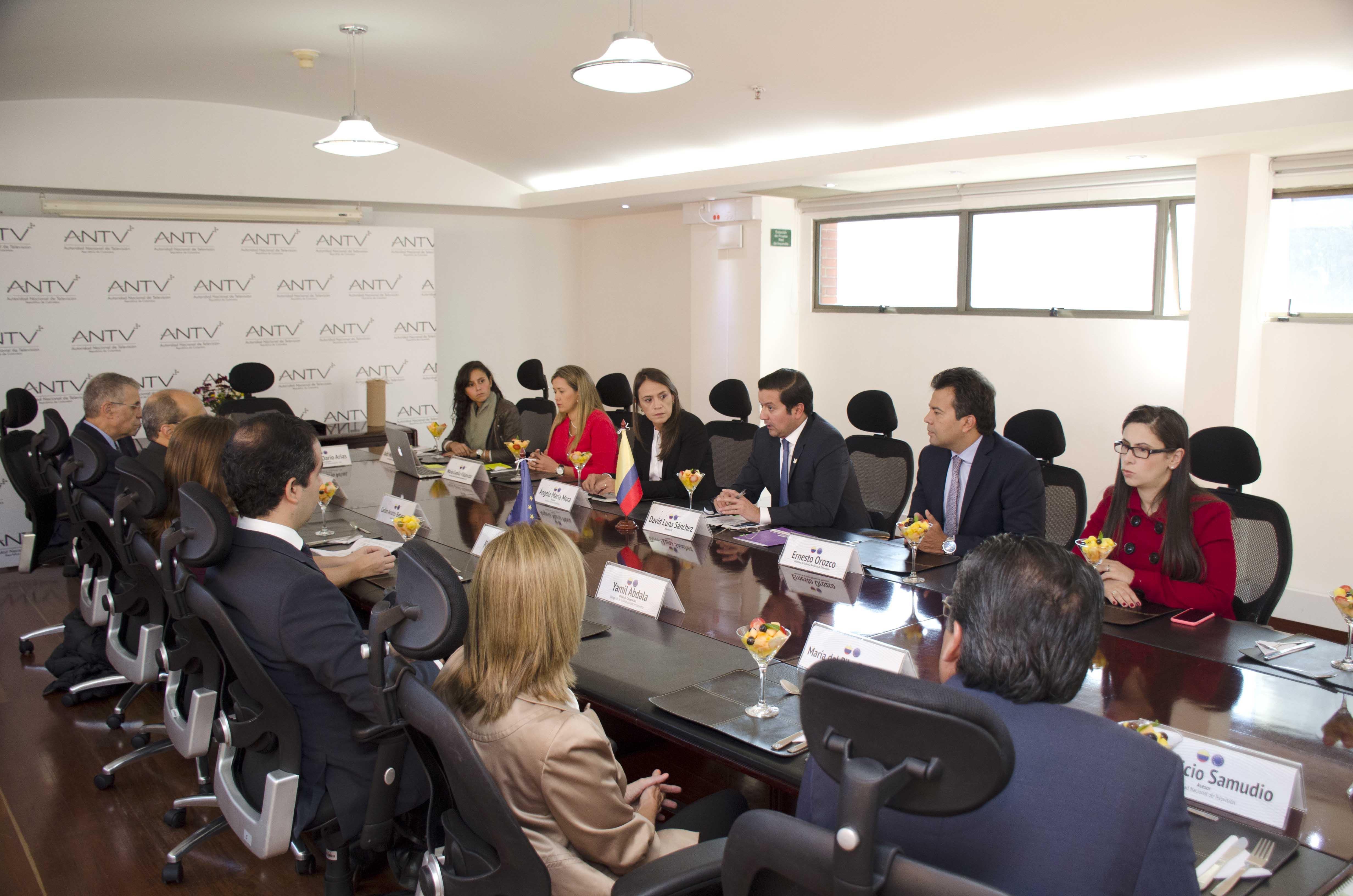 Colombia se une con la UE para implementar la TDT en todo el país