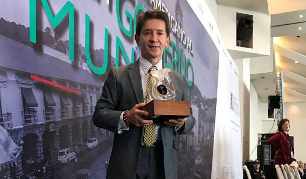 Gobernador de Antioquia recibe el premio Internacional