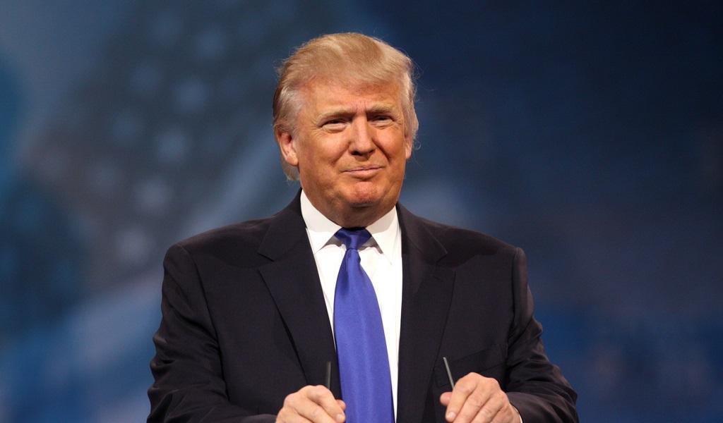 """Trump dice que negociaciones con Corea del Norte son una """"perdida de tiempo""""."""