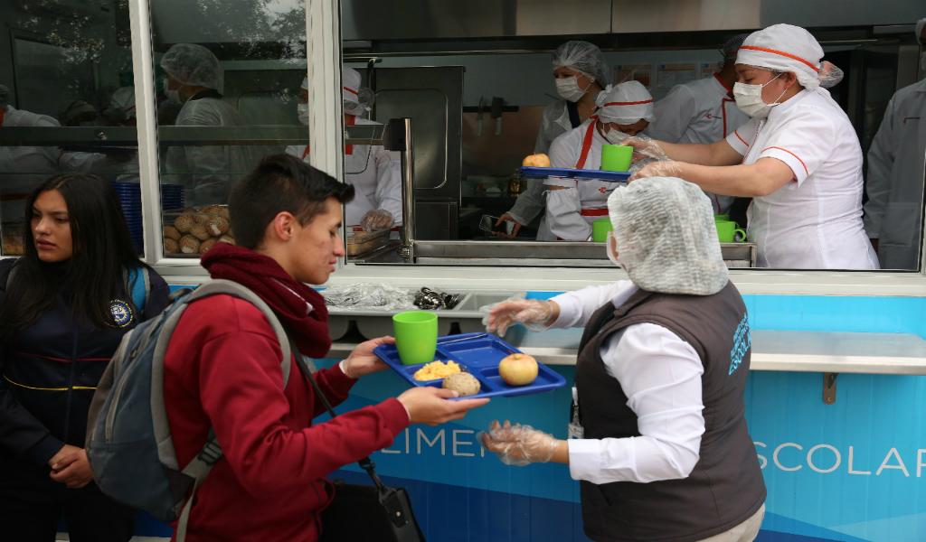 Alcaldía lleva cocinas móviles a los colegios de Bogotá