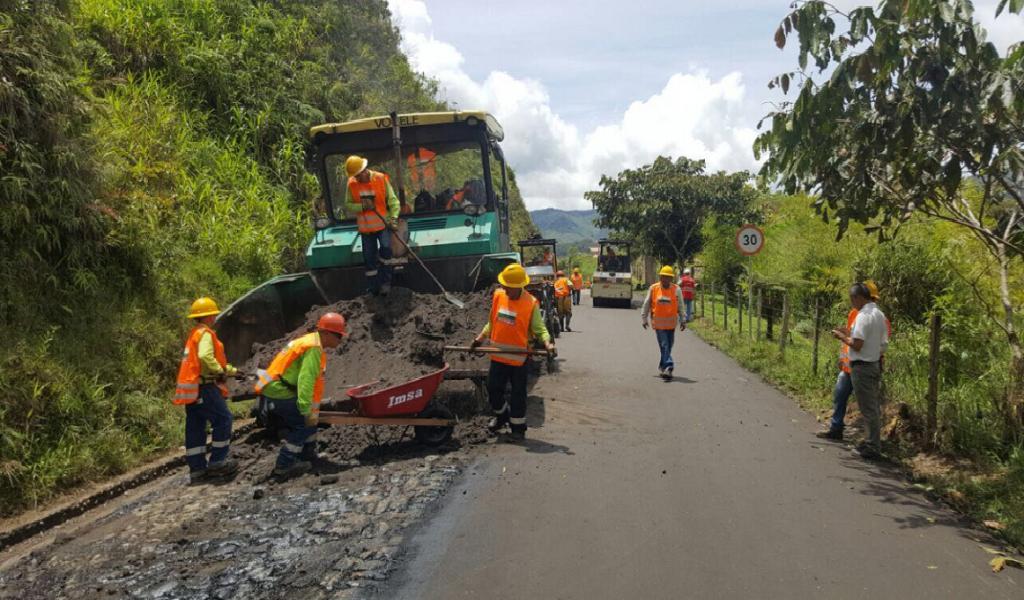 Más de $7.000 millones se invertirán en vías de Antioquia