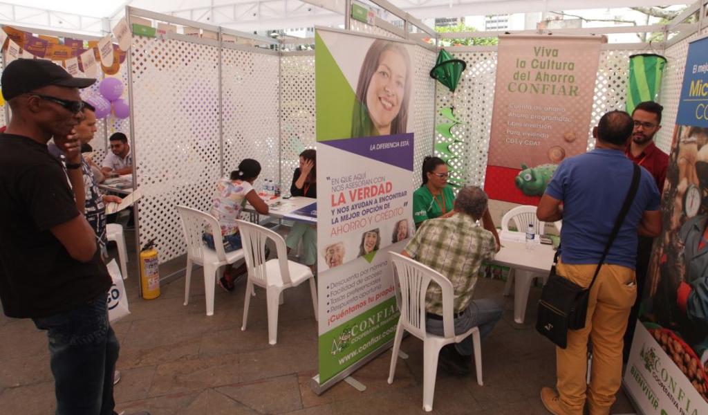 """Bancuadra, iniciativa para acabar los """"gota a gota"""""""