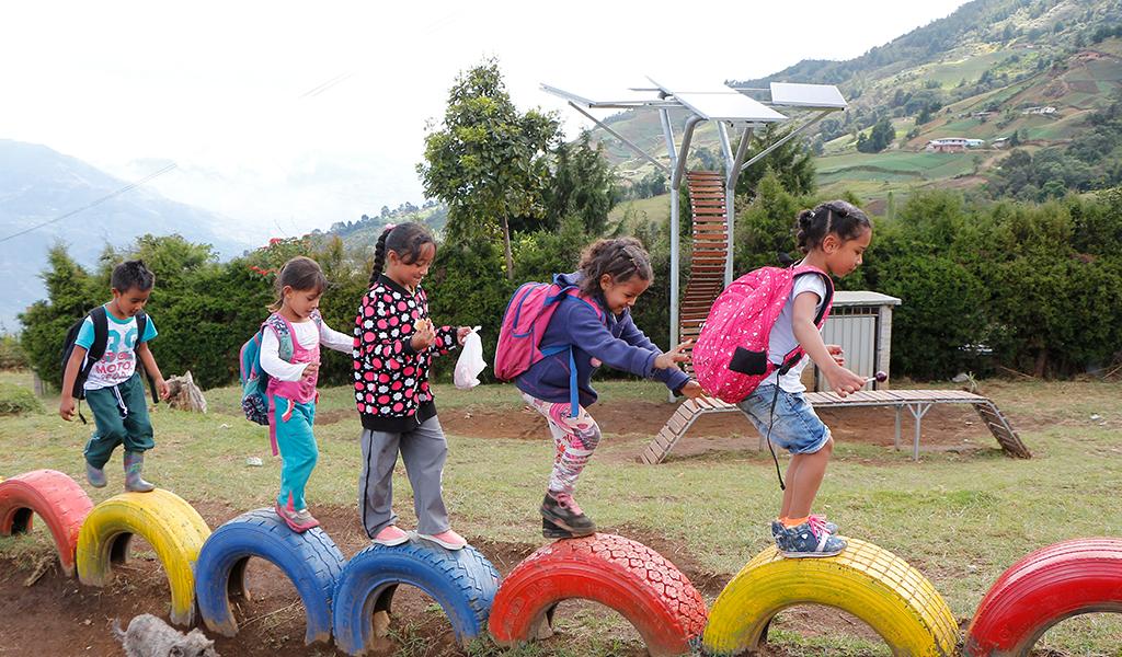 Energía solar, bendición para escuelas rurales