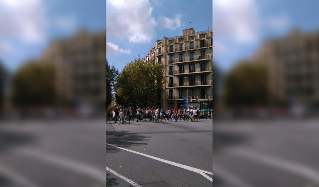 Continúan las marchas en Cataluña contra referéndum