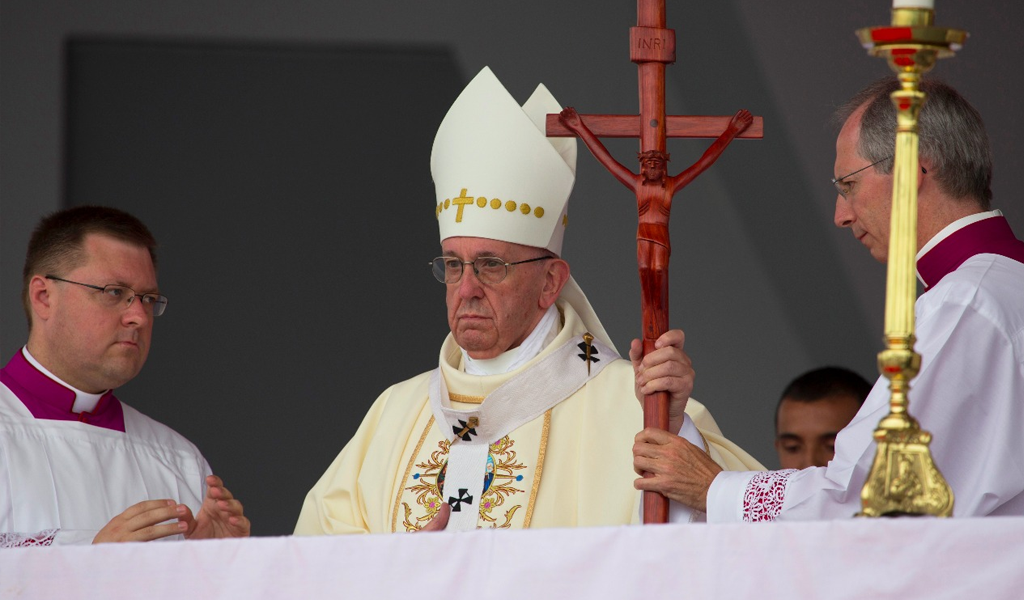 """Papa Francisco sobre la pederastia: """"Hemos llegado tarde"""""""