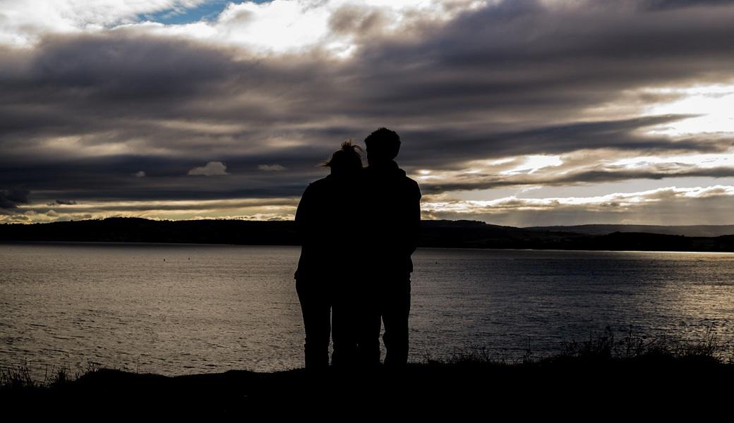 Los diez mandamientos que cada pareja debe profesar